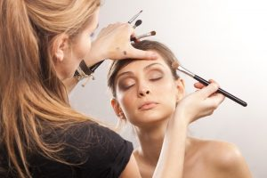 MUA (Make Up Artist)